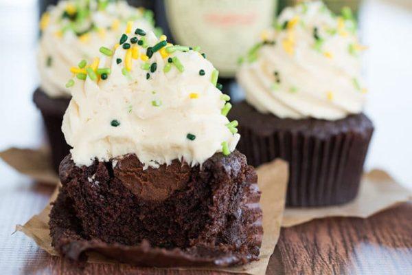 irish-car-bomb-cupcakes-e1520631541547.jpg