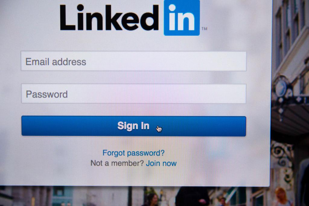 New LinkedIn referrals feature