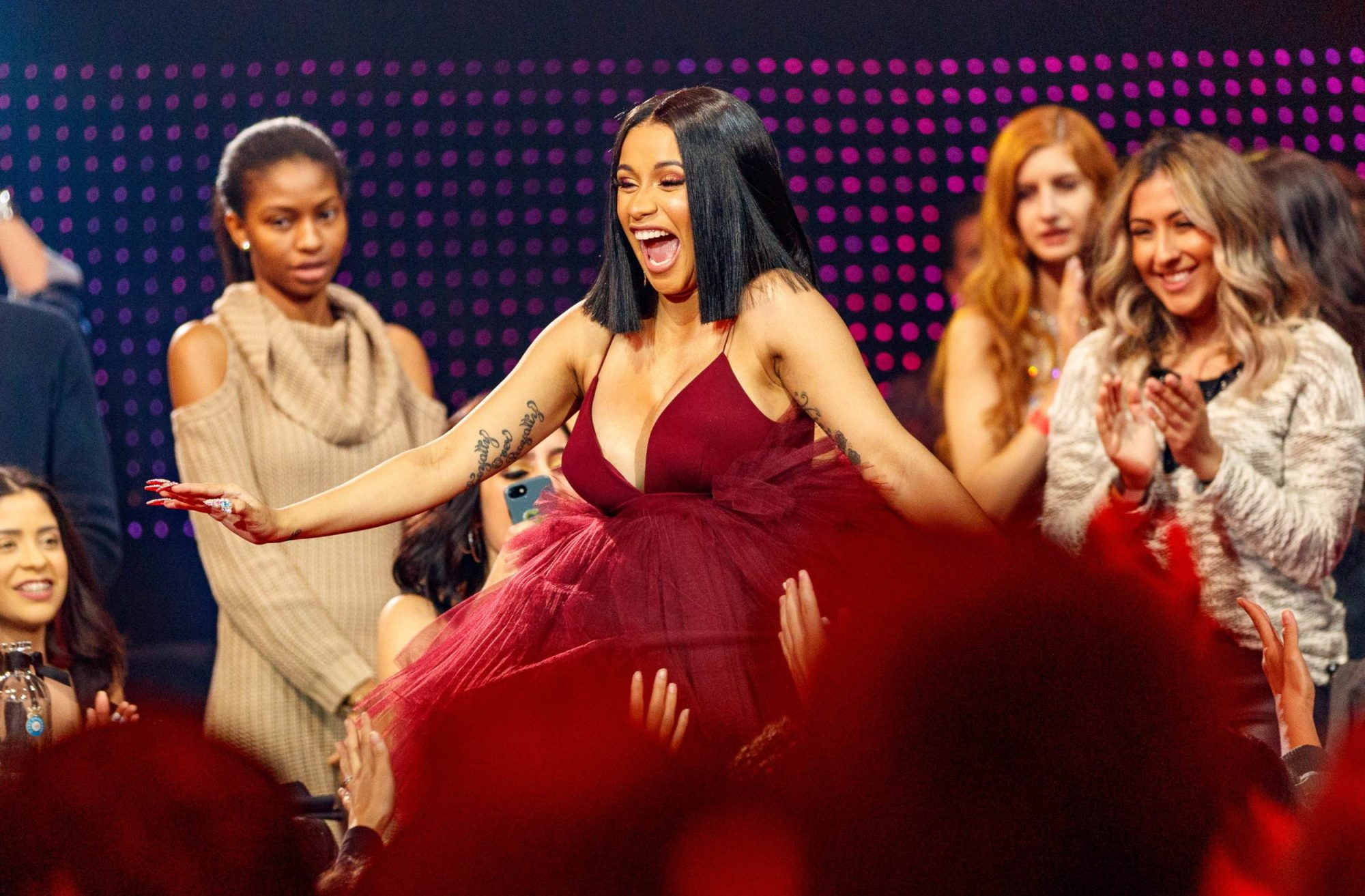 Photo of Cardi B at the 2018 iHeartRadio Music Awards