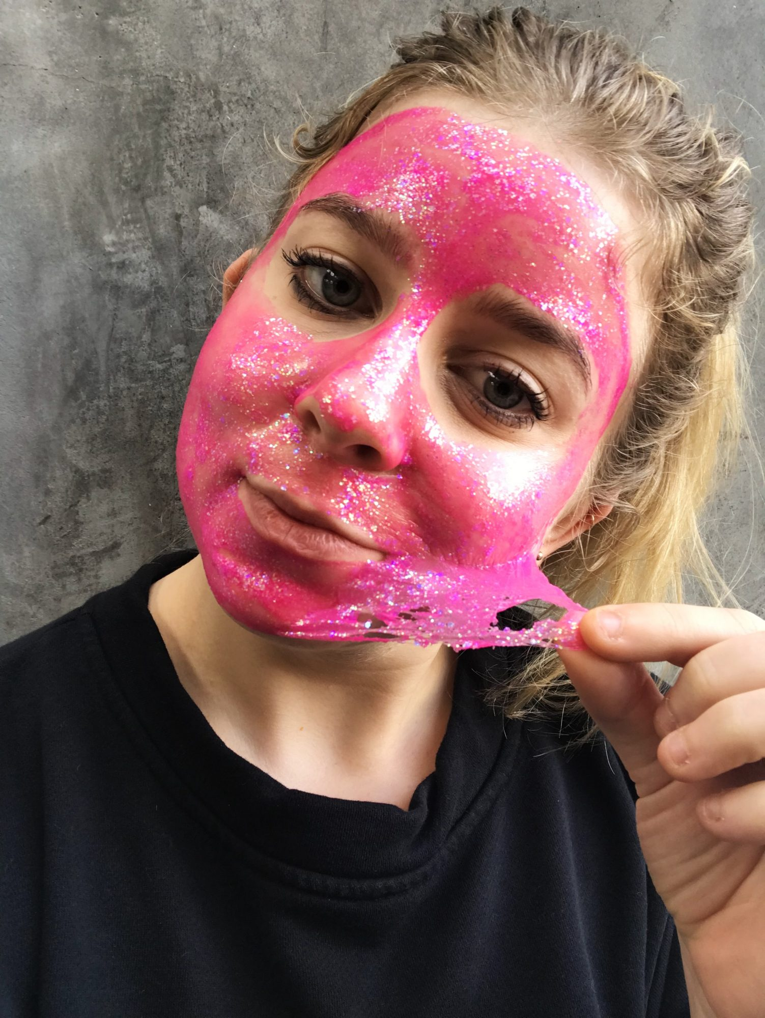glamglow-glitter-mask-review-peel-second
