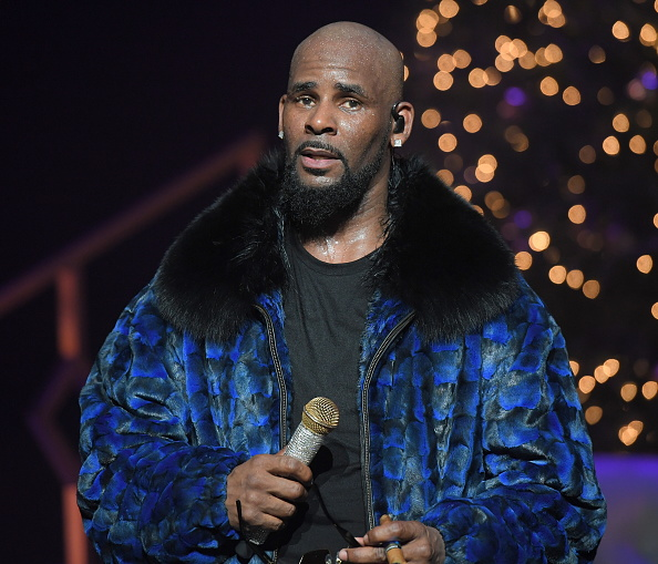 "R. Kelly accused of keeping teenage girl as a ""pet"""