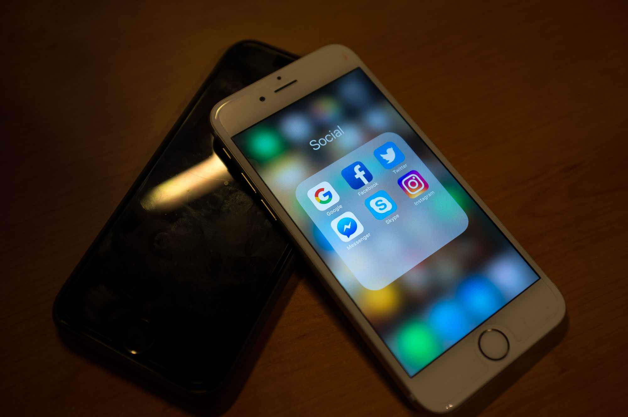apple iphone curved screen