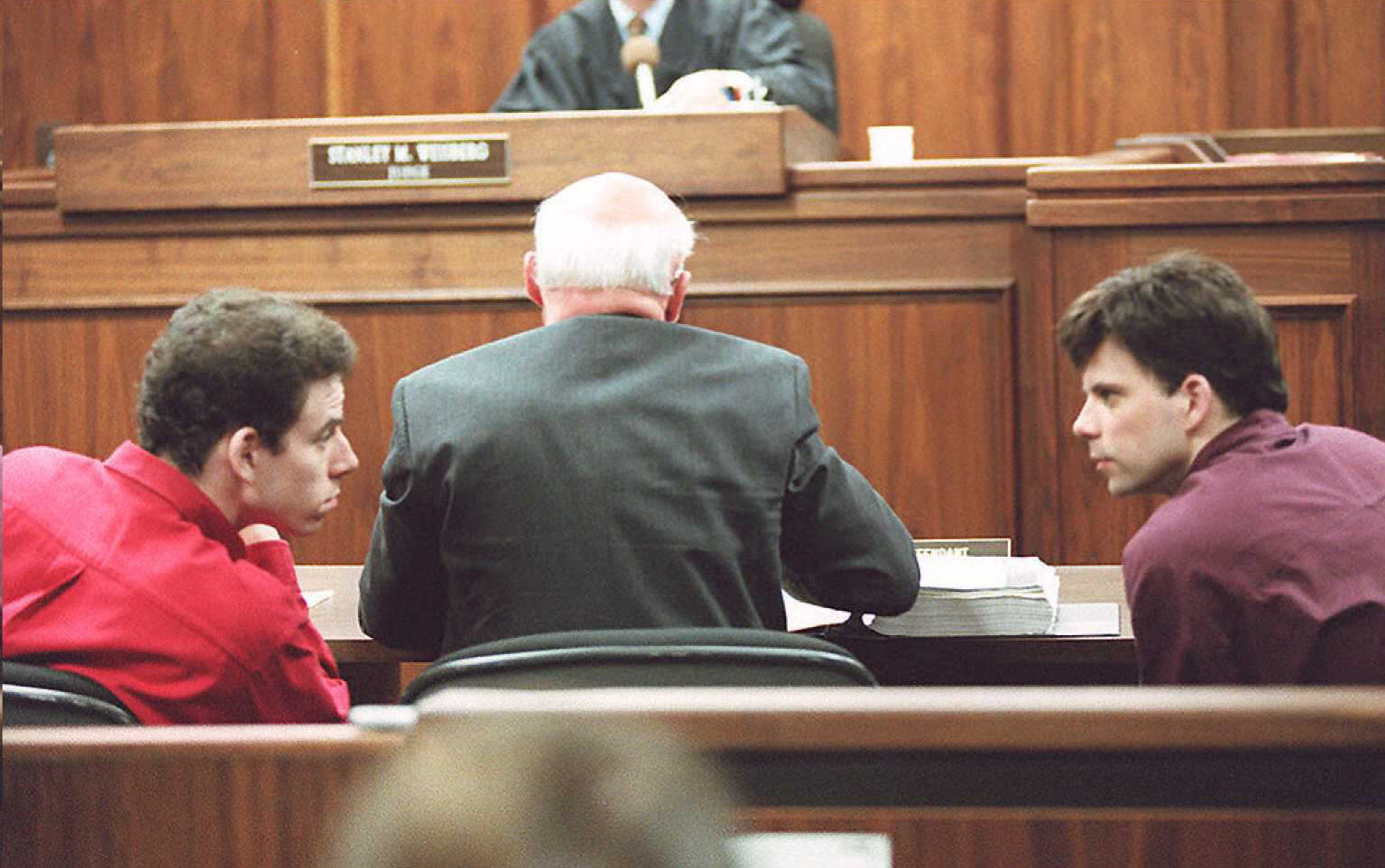 picture-of-menendez-brothers-court-photo.jpg