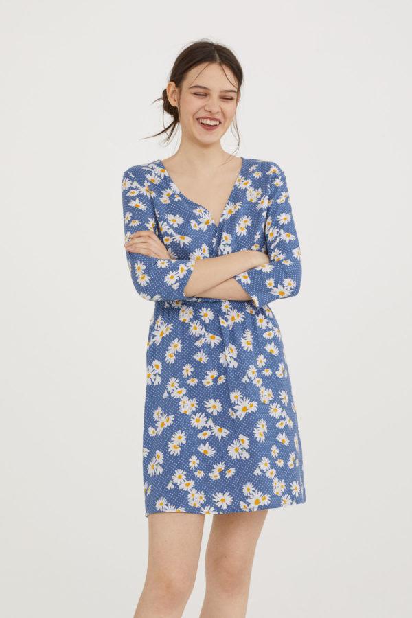 hm-v-neck-dress-e1523461965484.jpeg