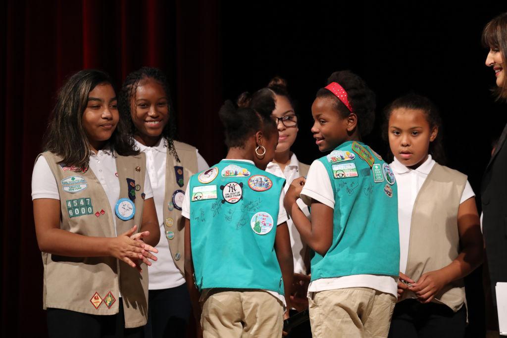 troop-girl-scouts-homeless-shelter.jpg