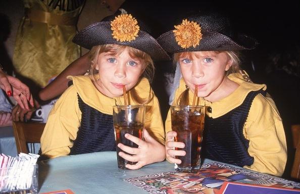 mary-kate-ashley-hats.jpg