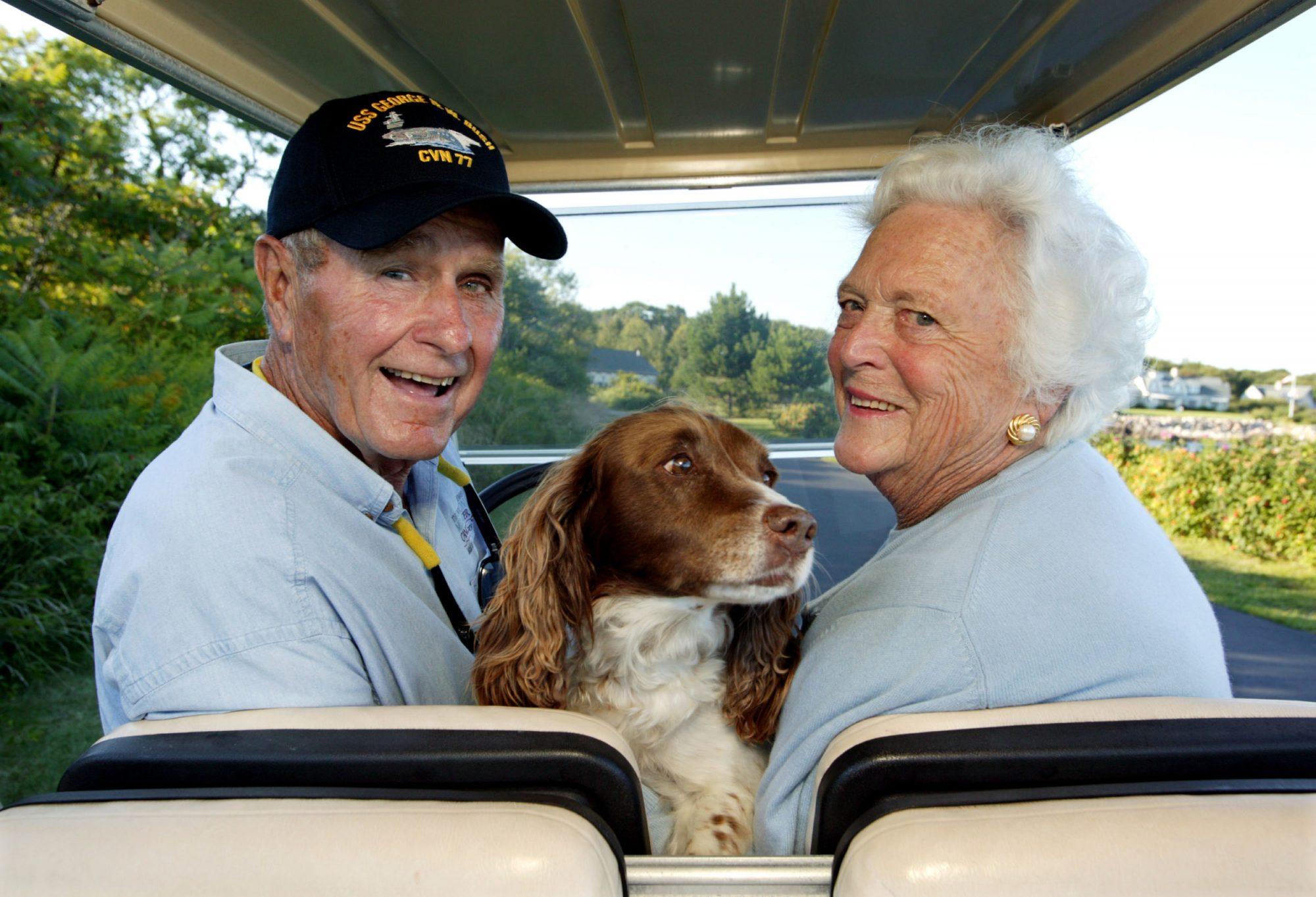 Photo of George H.W. Bush and Barbara Bush