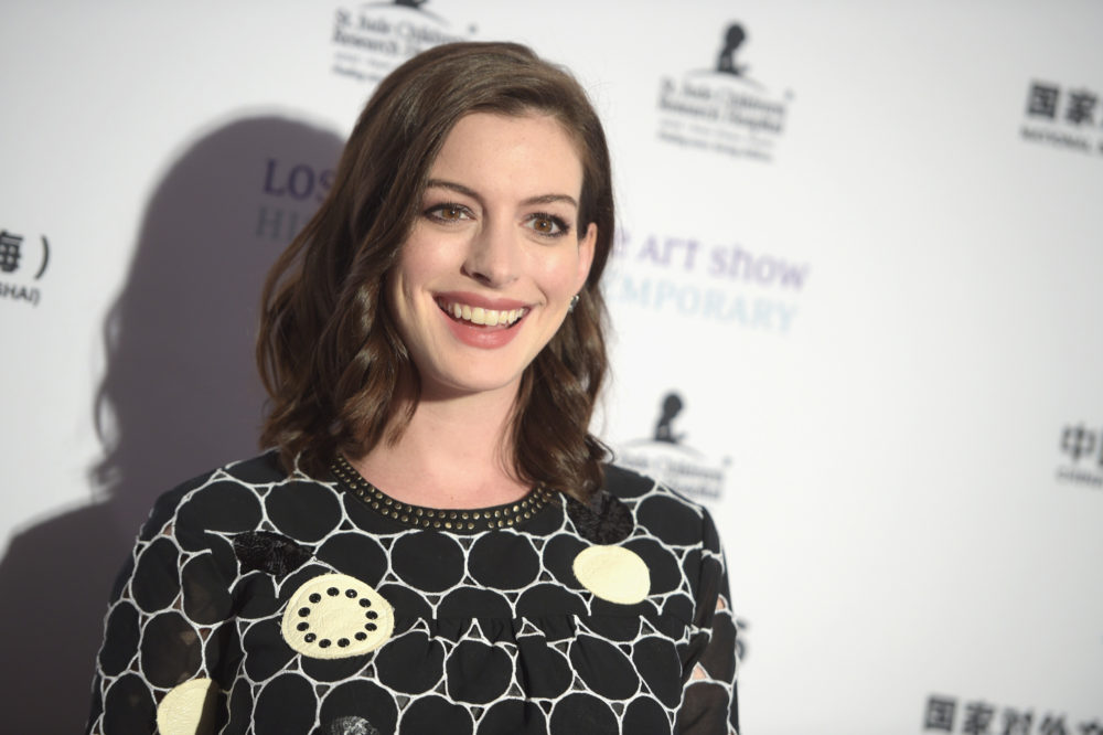 Anne Hathaway dancing