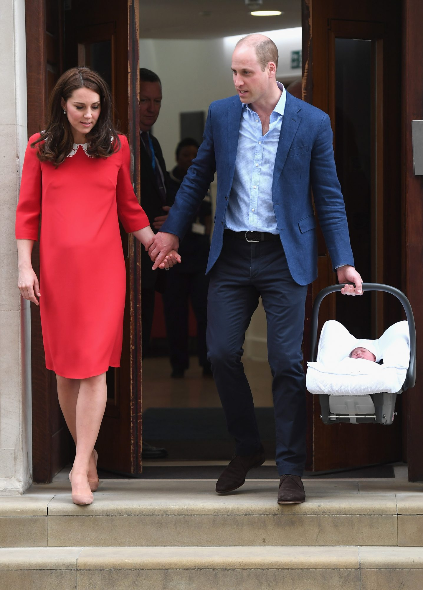 Kate-and-Will-leaving-the-hospital.jpg