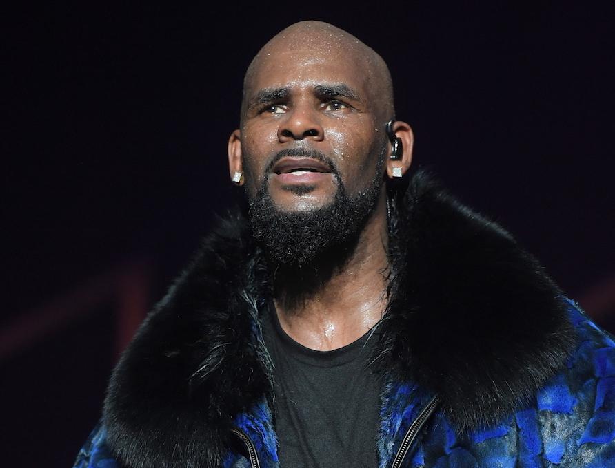 R. Kelly performing in 2016