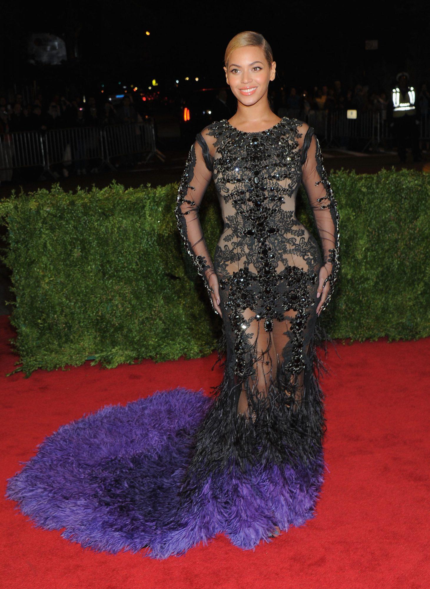 Beyonce-Prada.jpg