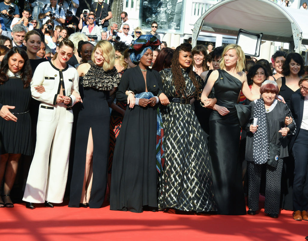 picture-of-cannes-march-line-photo.jpg