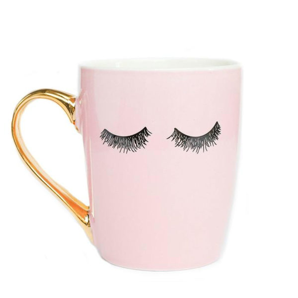 eyelashes-mug-e1527091363740.jpg