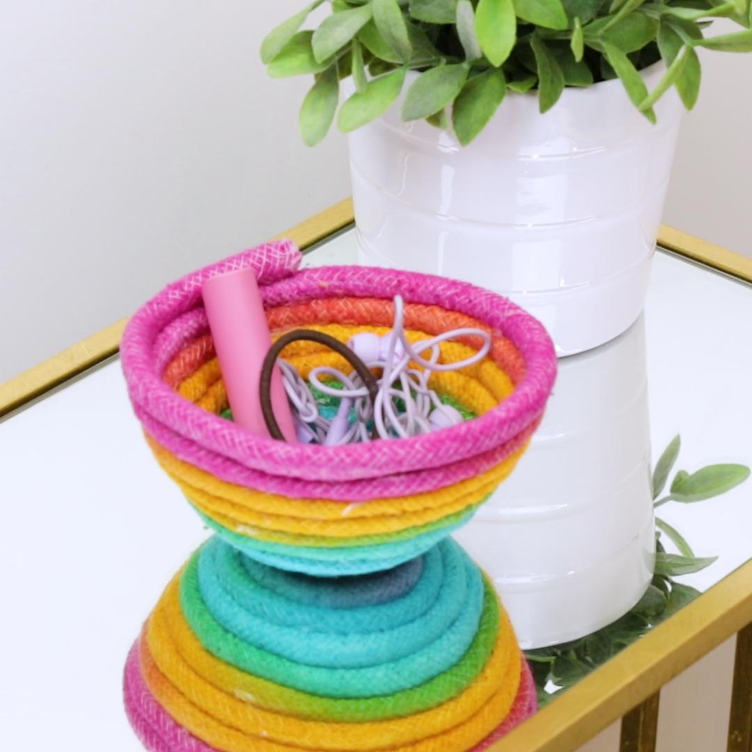 DIY Rainbow Rope Bowl