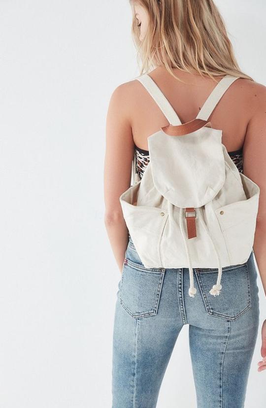 URBAN-OUTFITTERS-WASHED-CANVAS-DRAWSTRING-BACKPACK.png