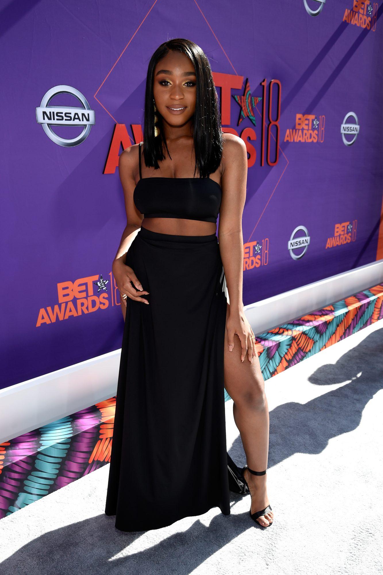 Normani-BET-Awards-black-slit-skirt.jpg
