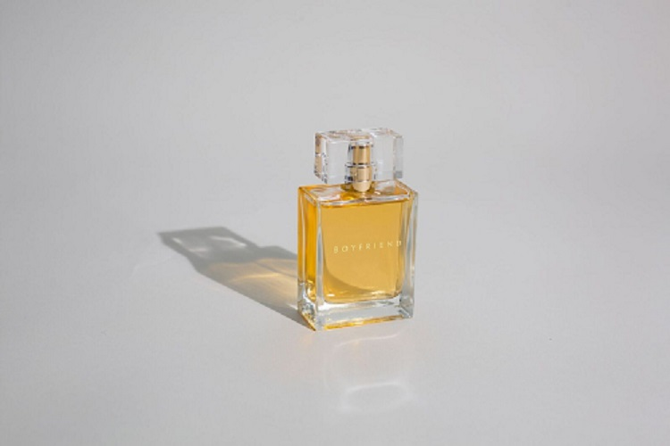 summer-perfume-boyfriend.jpeg