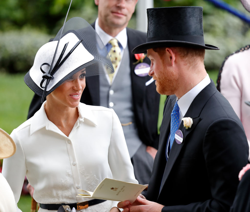 picture-of-meghan-markle-hat-photo.jpg