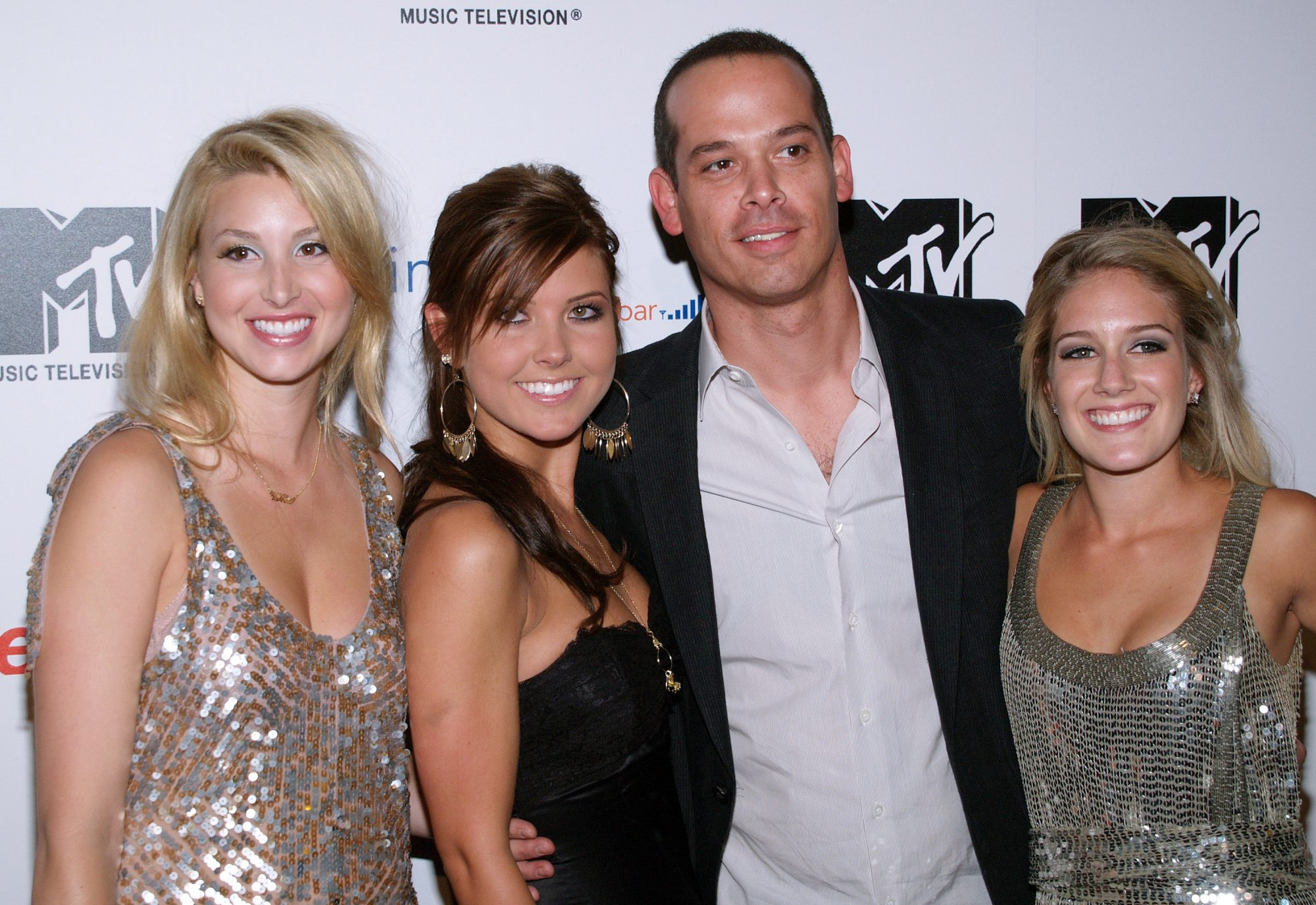 picture-of-the-hills-cast-photo.jpg