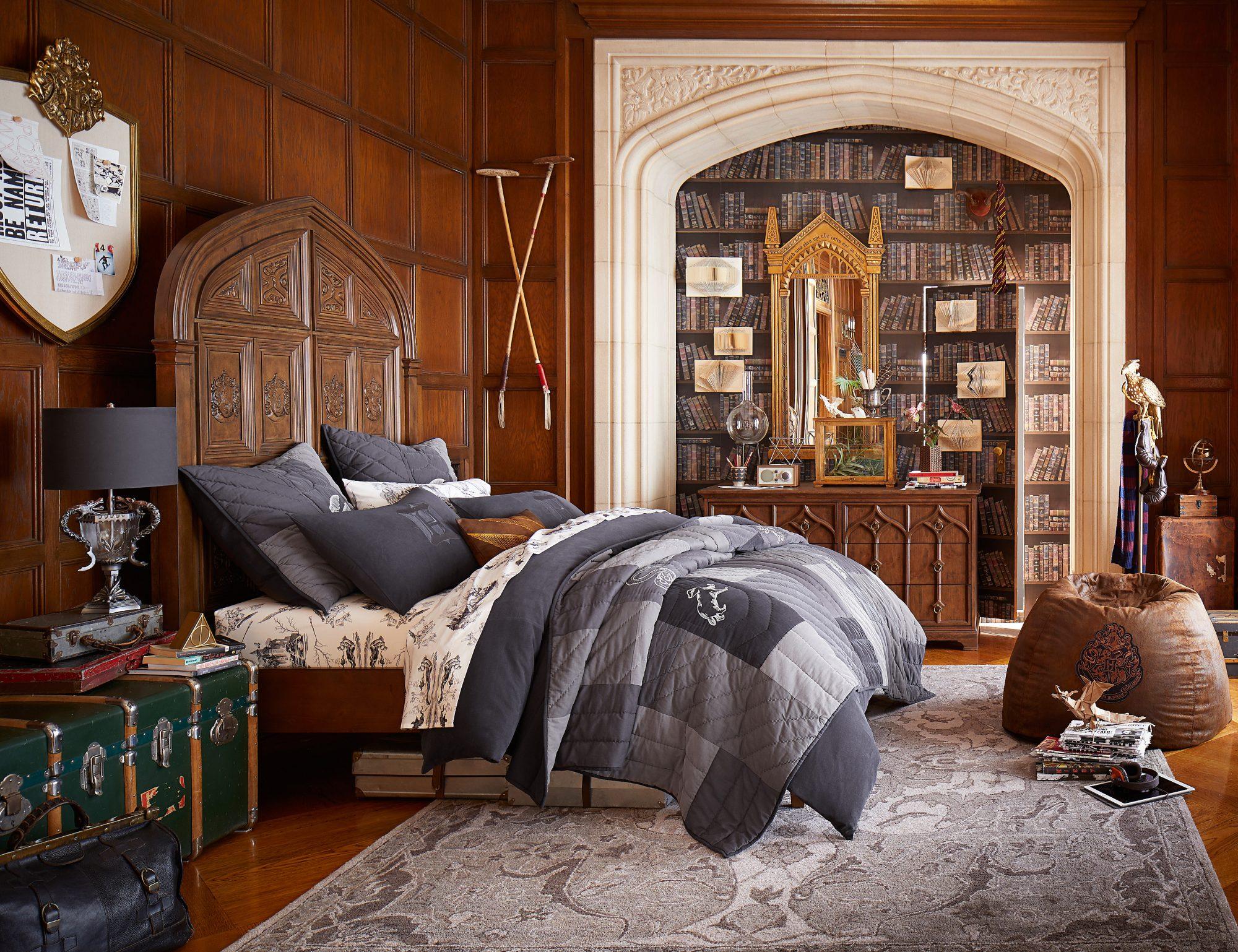 Harry-Potter-PBteen-Boy-Room.jpg