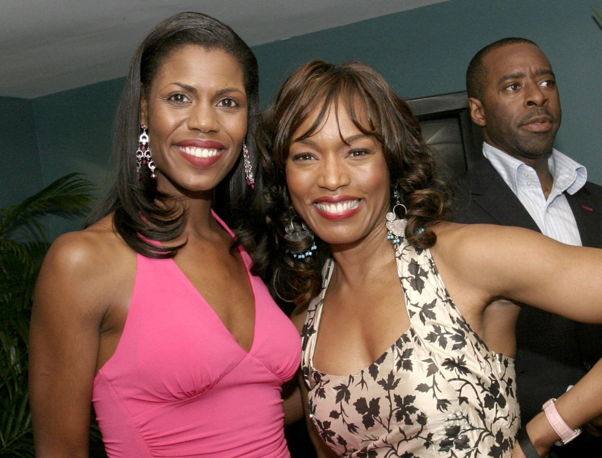 Photo of Angela Bassett and Omarosa Manigault-Newman