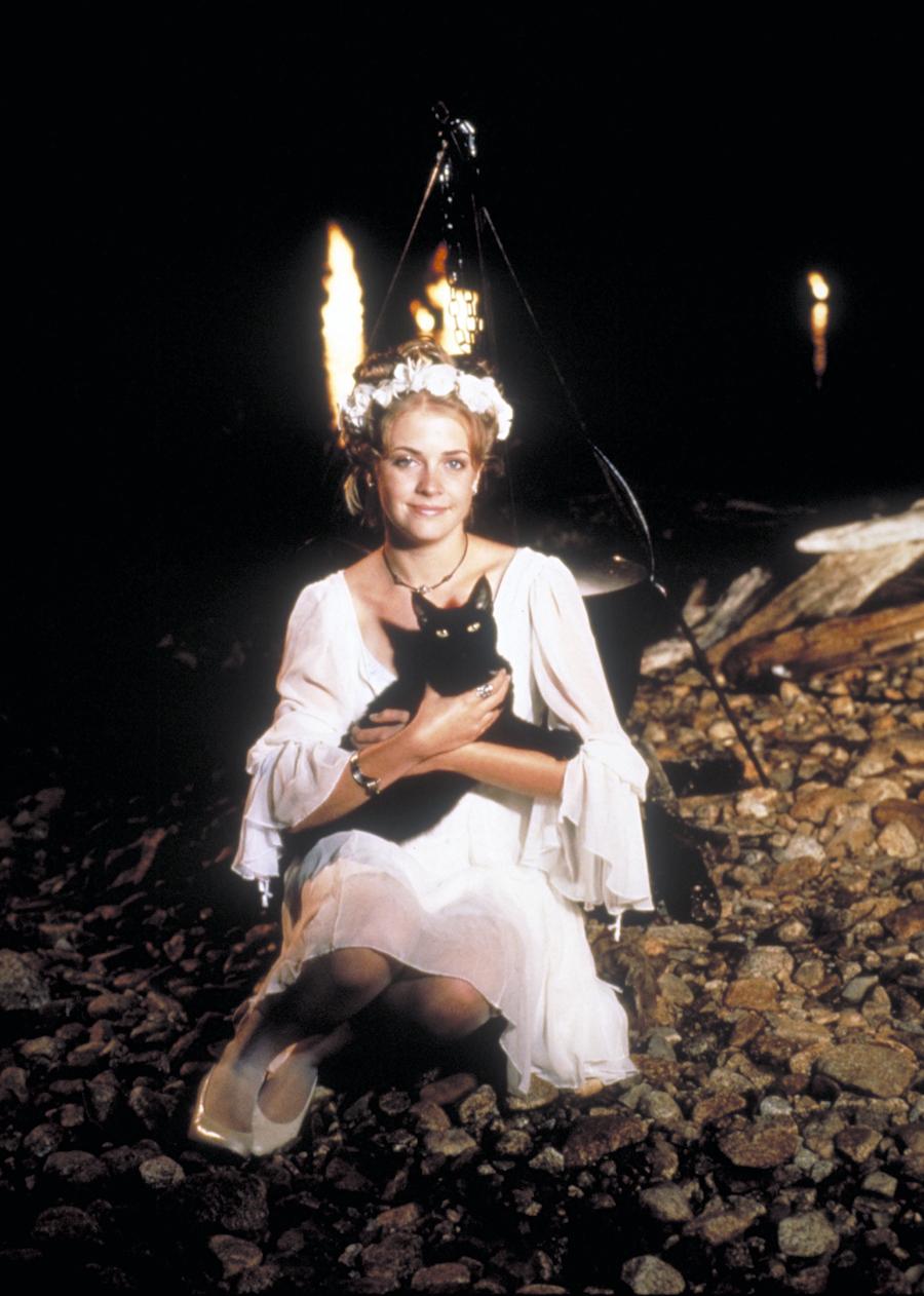 sabrina-teenage-witch.jpg