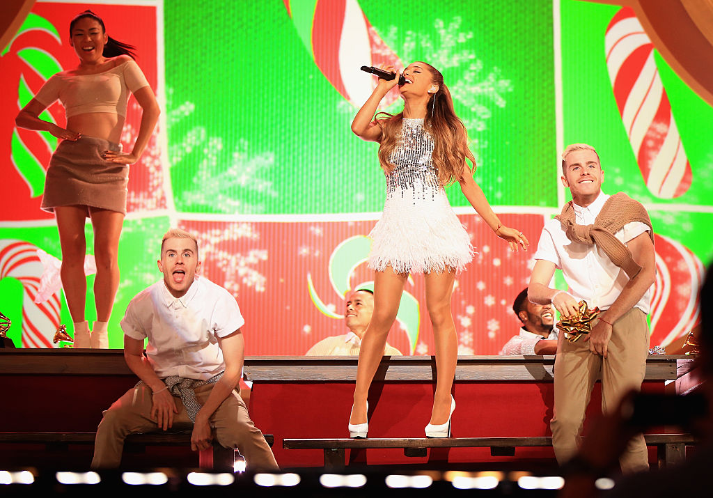 ariana-christmas-performance.jpg