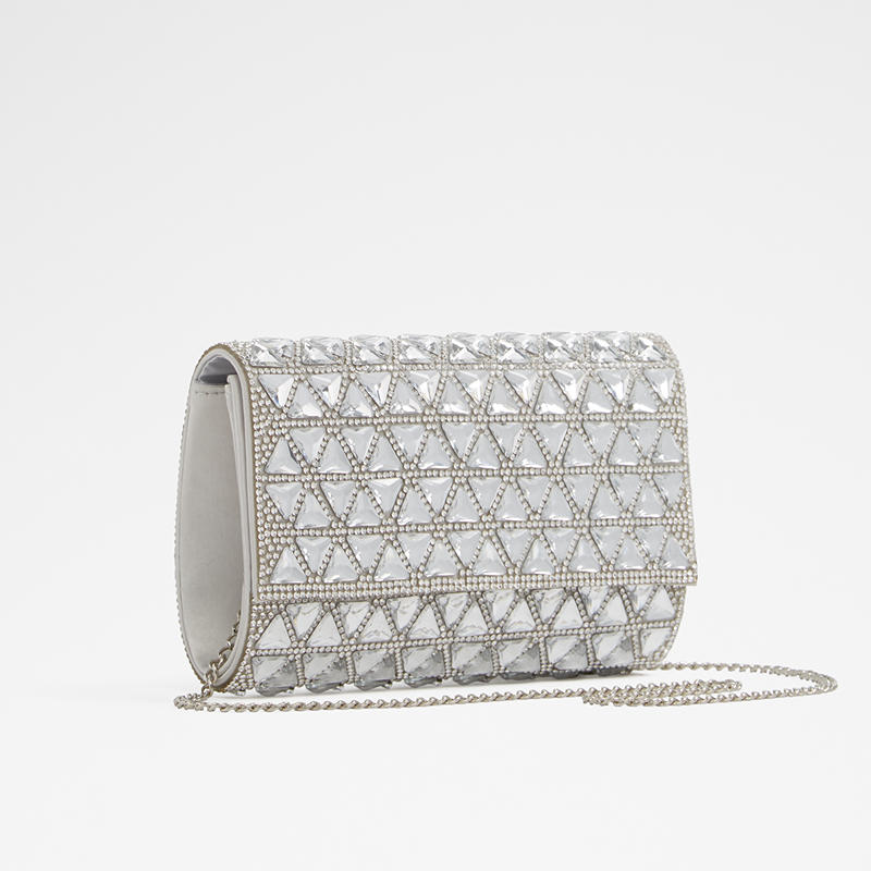 picture-of-lizzie-mcguire-prom-clutch-photo1