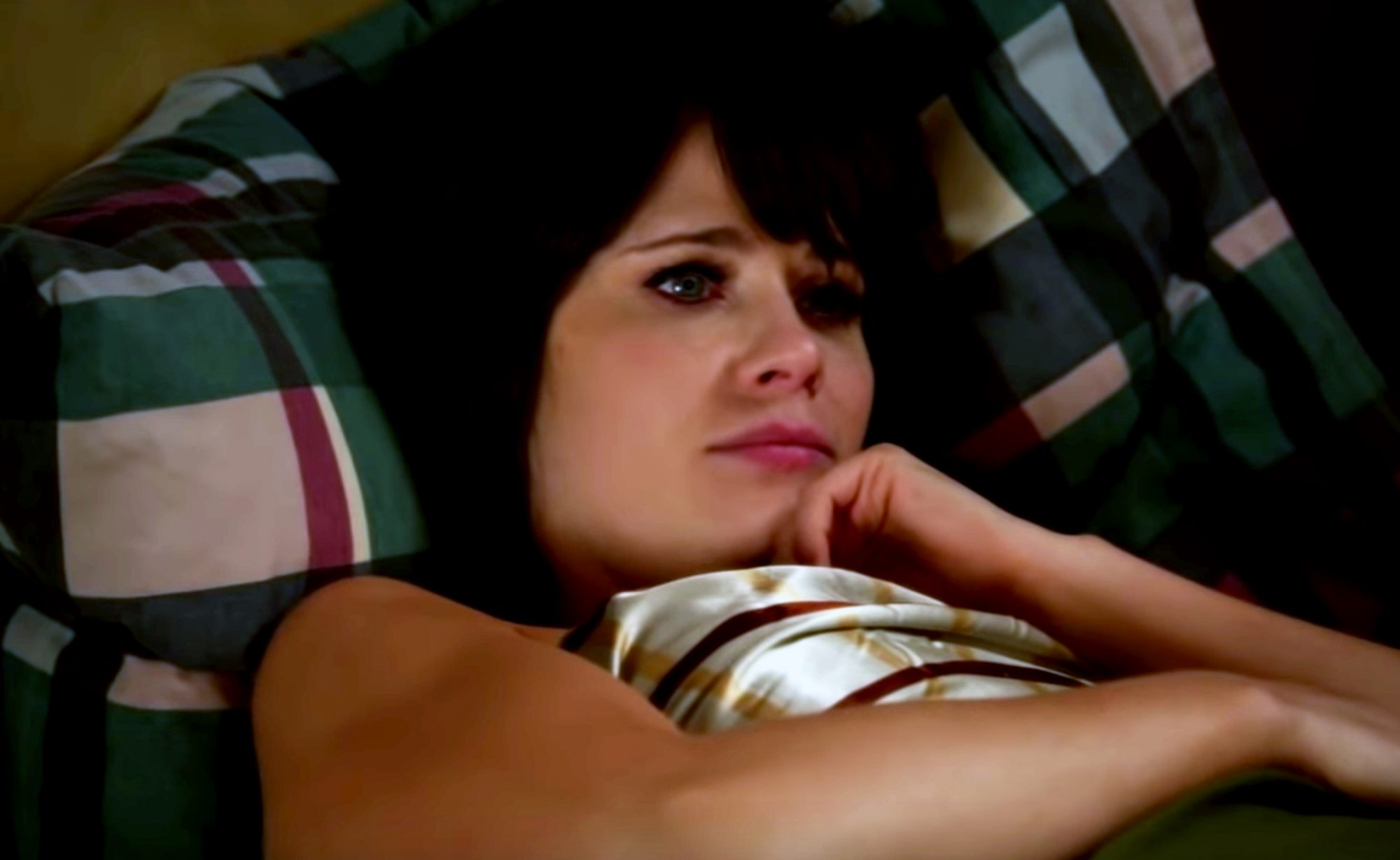 jess day sleeping in episode of new girl
