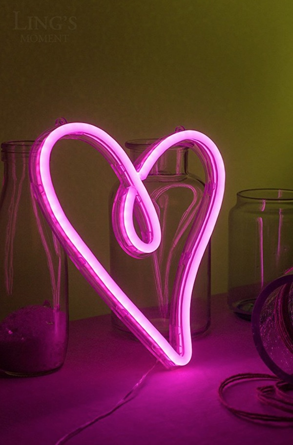 Neon heart nightlight