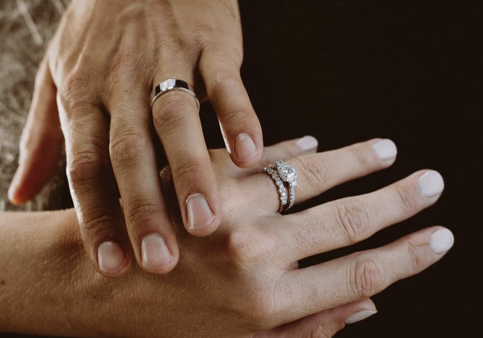 how to take a photo of your engagement ring