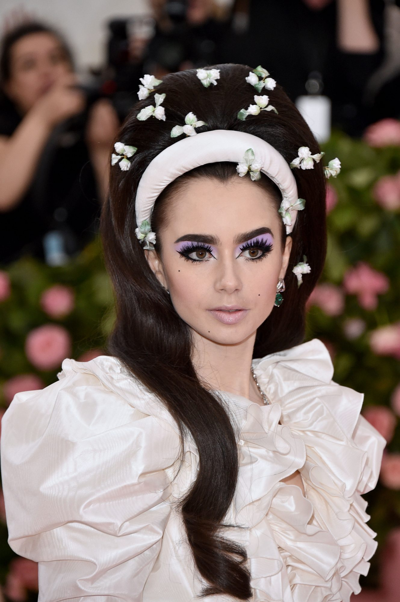 lily-collins-lashes.jpg