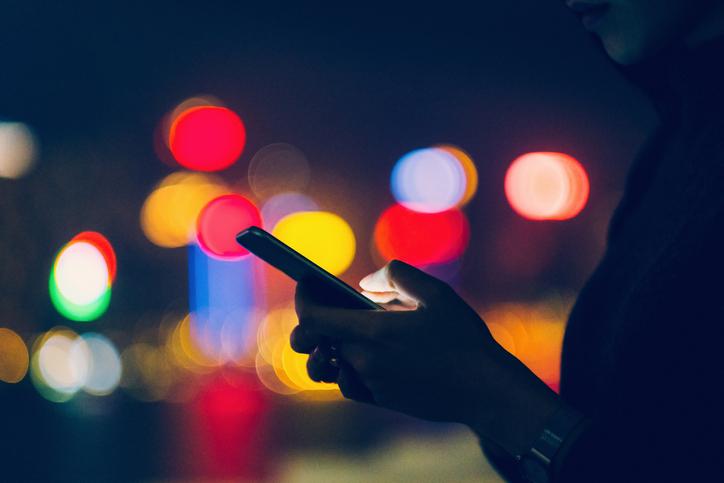 woman-texting1.jpg