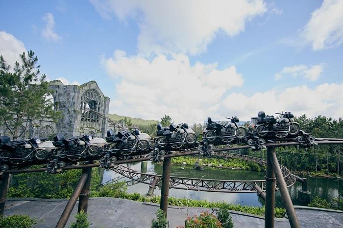 hagrid-roller-coaster-tracks.jpg