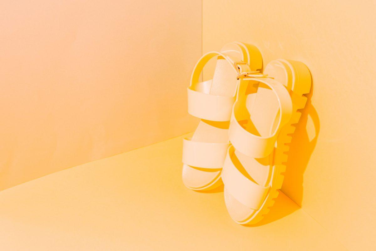 '70s sandals trend