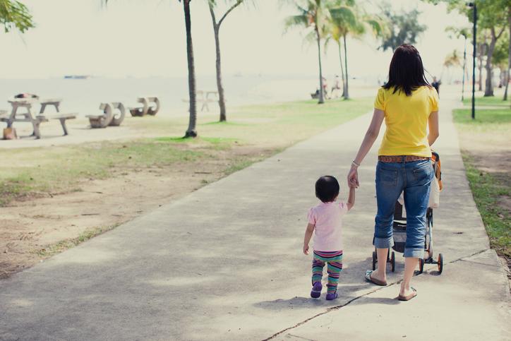 mom-stroller.jpg