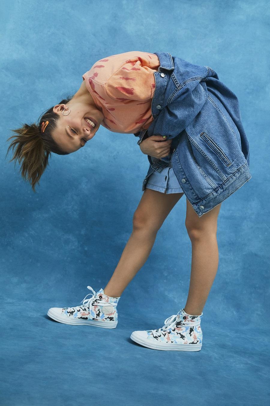 Millie-Bobby-Brown-Converse-standing.jpg