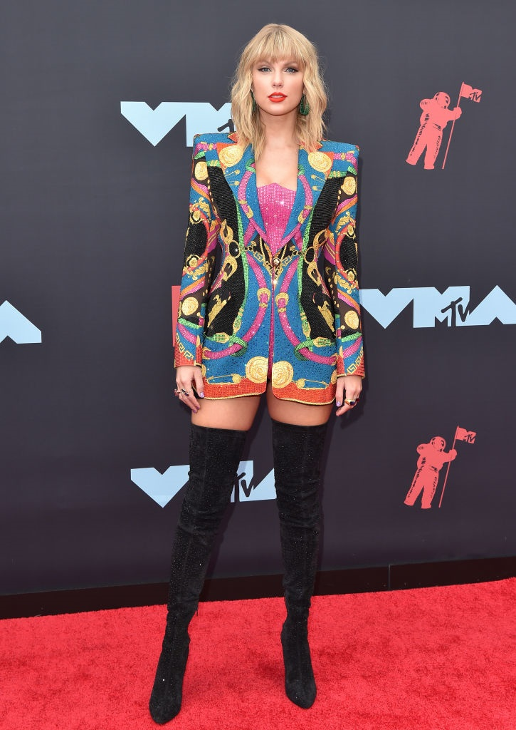 Taylor-Swift-MTV-VMAs-red-carpet.jpg