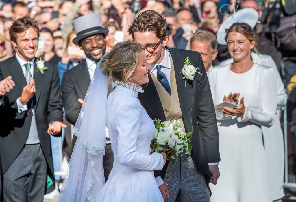 ellie-goulding-wedding-dress-side.jpg