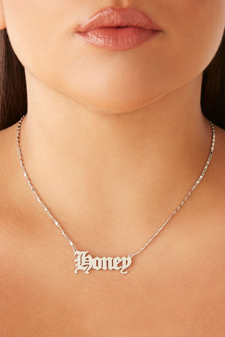Forever 21 nameplate necklace