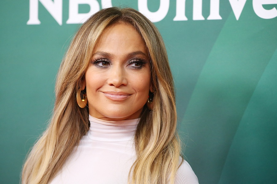 jennifer lopez blonde bob hair
