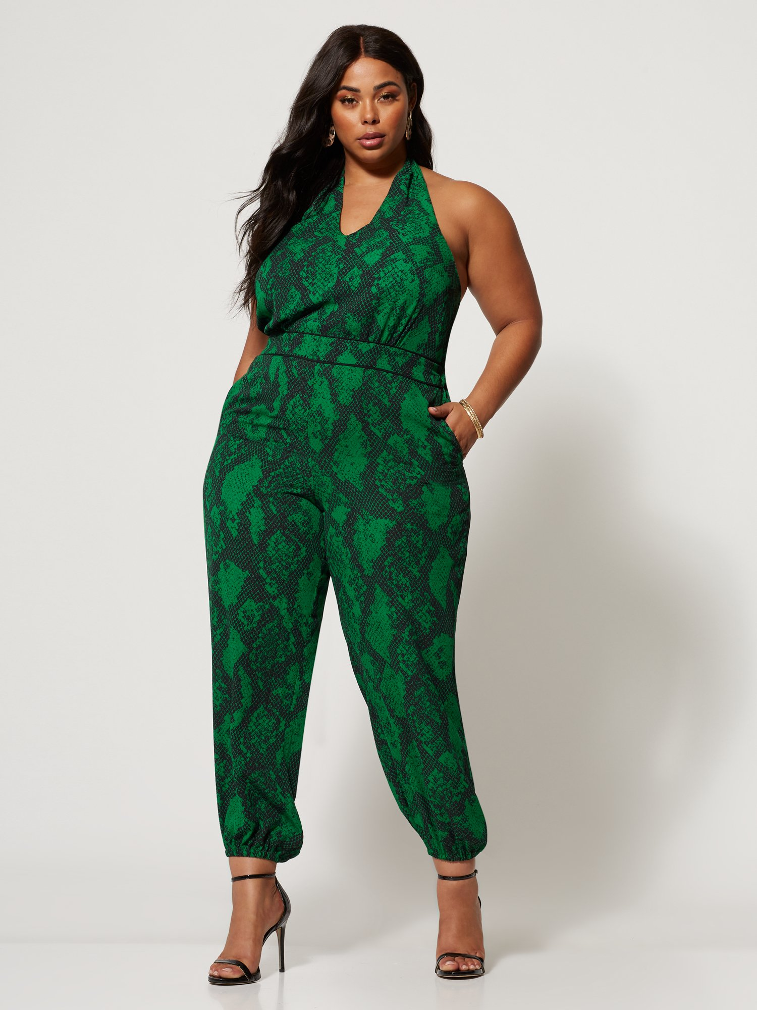 clothing subscription for plus size