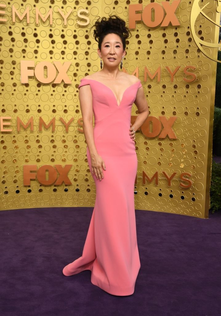 sandra-oh 2019 Emmy awards red carpet