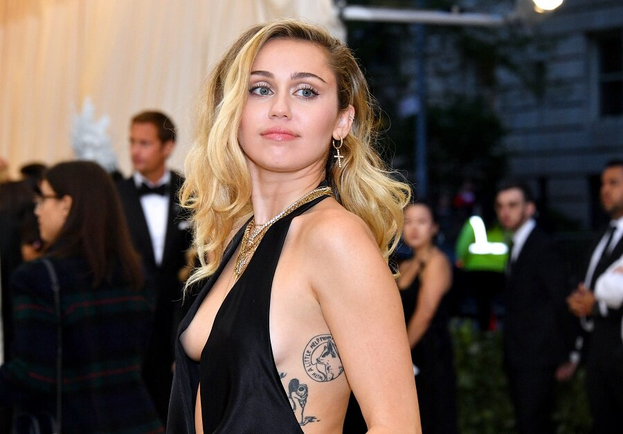 Miley Cyrus Just Added A New Tattoo To Her Massive Collection Hellogiggles