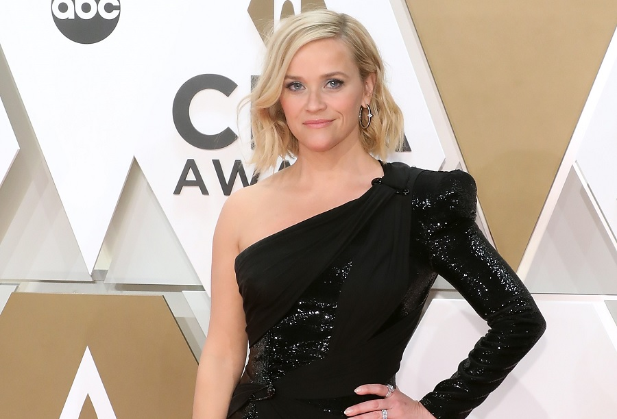 reese witherspoon on the CMAs red carpet