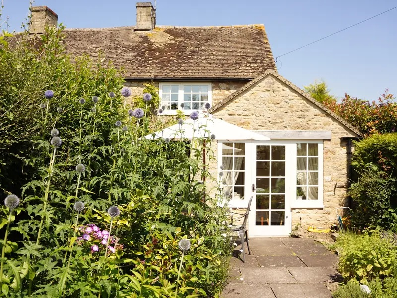 The-Holiday-Cottage.jpg