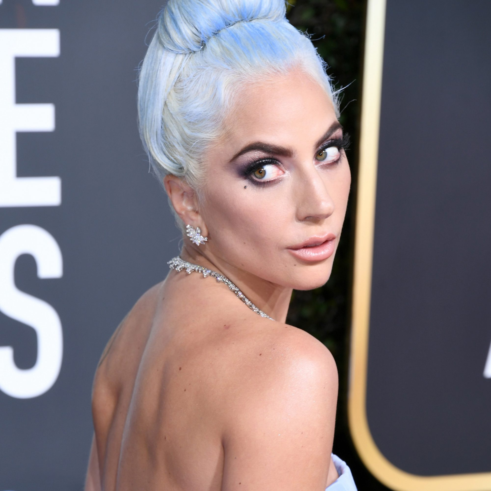lady-gaga-golden-globes.jpg