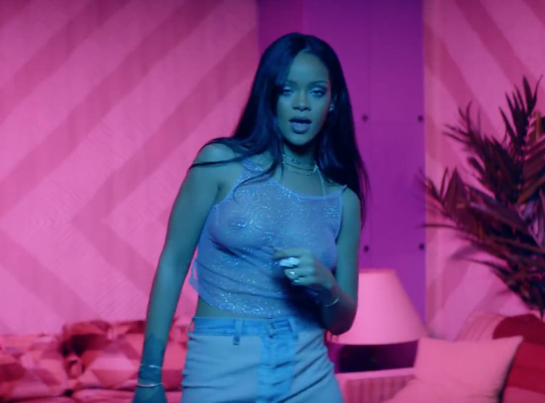 Rihanna-Grammys