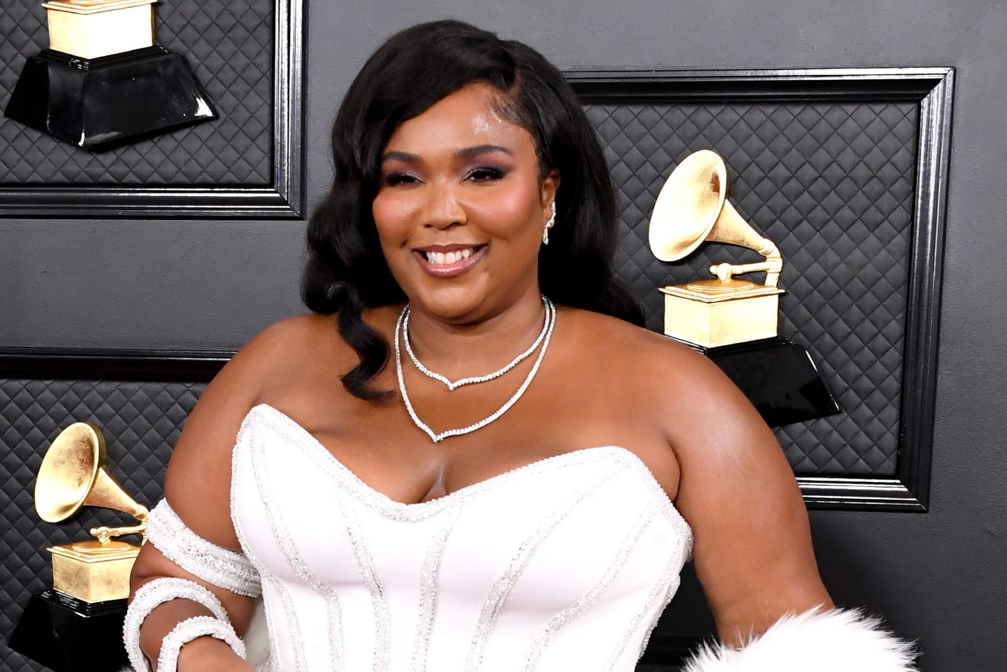 lizzo-grammys-outfit-2020