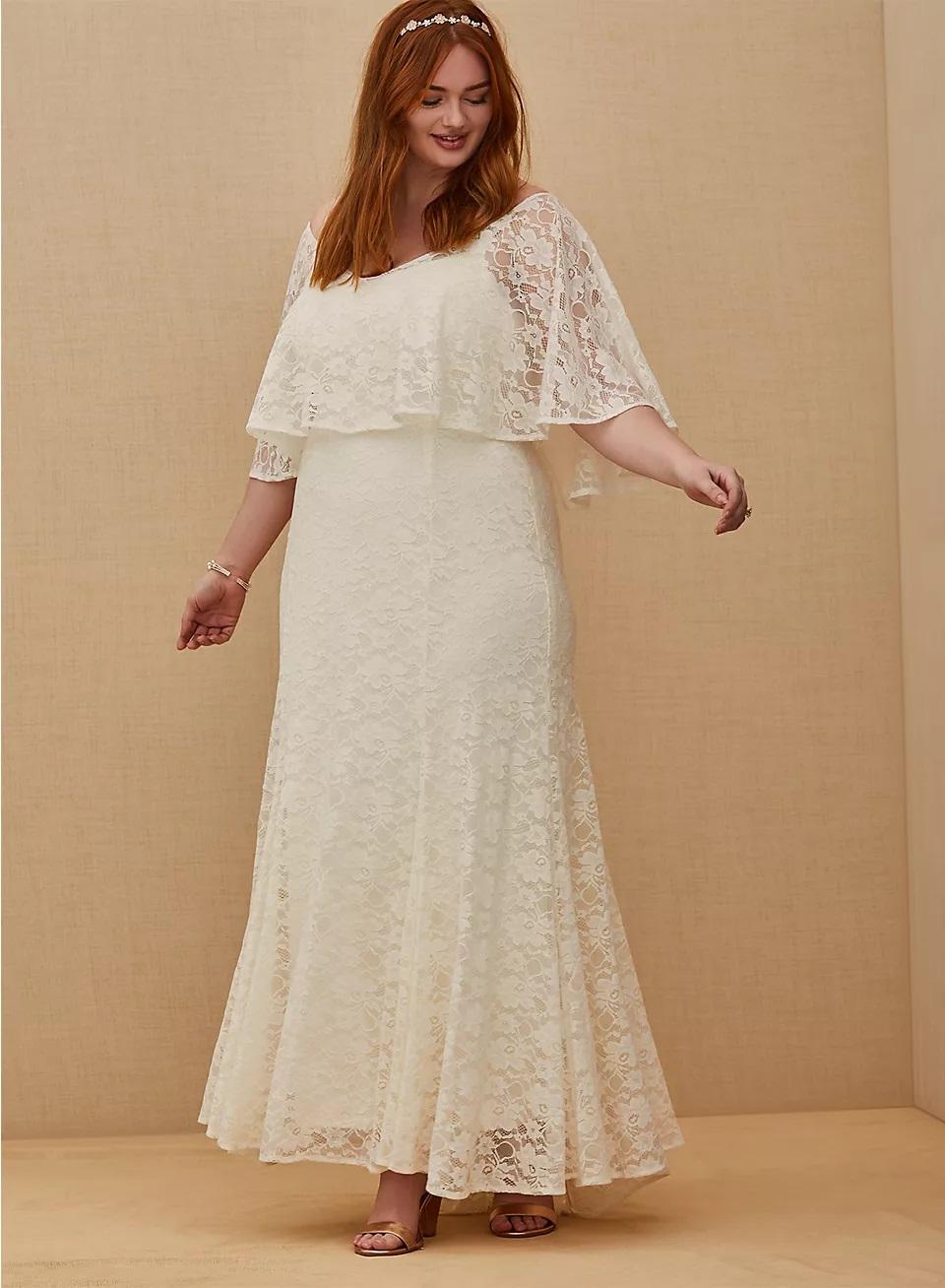 torrid lace wedding dress in plus size